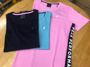 ピークパフォーマンスTシャツの画像